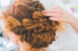 La coiffure bohème de Manon