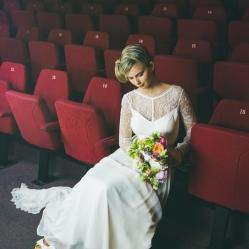 Morgane porte une robe Mademoiselle de Guise