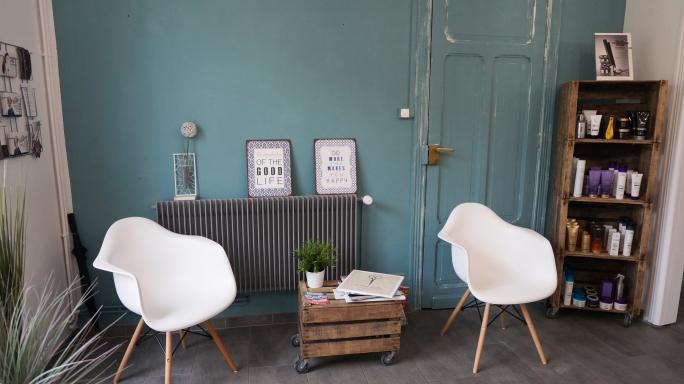 lescheveuxdezoe-salon-de-coiffure-bavay-nord-moderne-coiffeur-deco (1).jpg